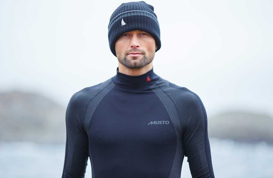 MUSTO Active Base Layer Long Sleeve Top ist deine perfekte Skin Wear, die als hervorragende Base Layer fungiert.