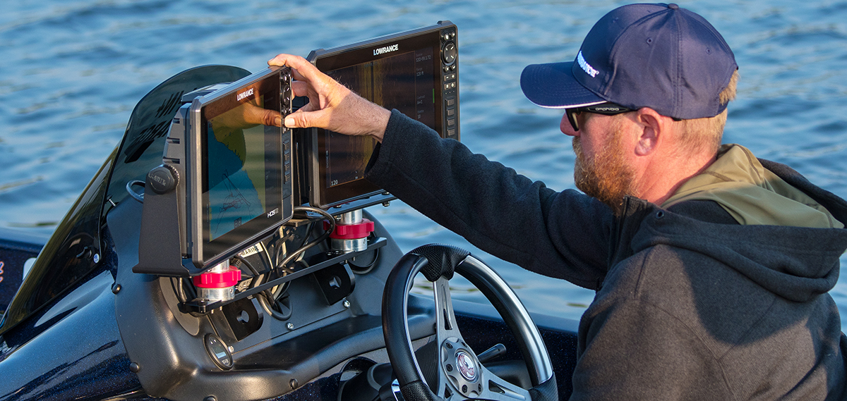 Lowrance HDS Live Echolot in action