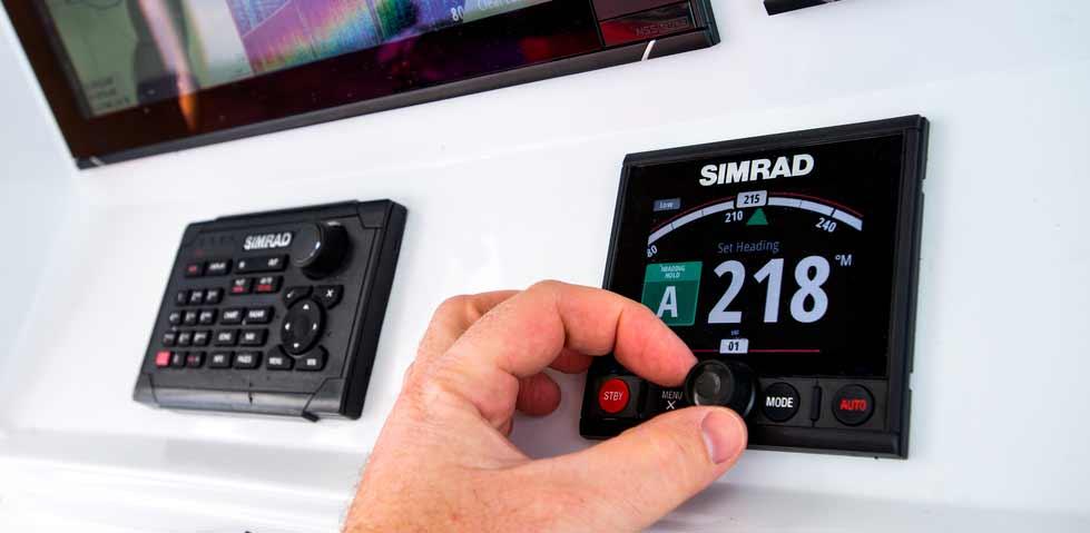 Das Autopilot Display dient als Bedienteil für den Autopiloten deines Bootes.
