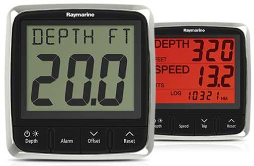 Raymarine i50 Marine Instrumente sind dank roter Nachtbeleuchtung auch bei Dunkelheit immer ablesbar.